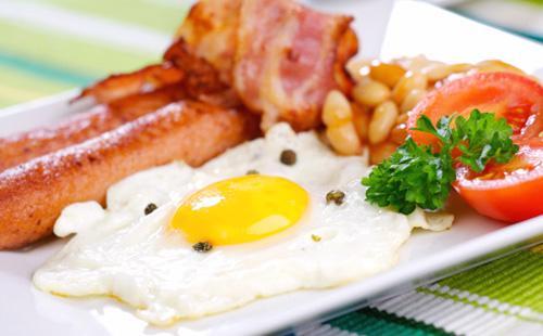 Как приготовить яичницу с колбасой 🥝 как сделать вкусно, приготовление