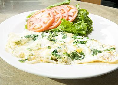 Омлет на кефире с сыром и зеленью на сковороде - рецепт пошаговый с фото