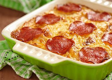 5рецептов вкусной картофельной запеканки сколбасой, сосисками ибеконом