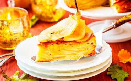 Как испечь шарлотку 🥝 в духовке, как приготовить грушевый пирог