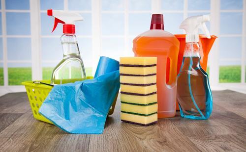 Как мыть натяжные потолки в домашних условиях: сухая чистка и моющие средства для матовых, глянцевых и сатиновых поверхностей
