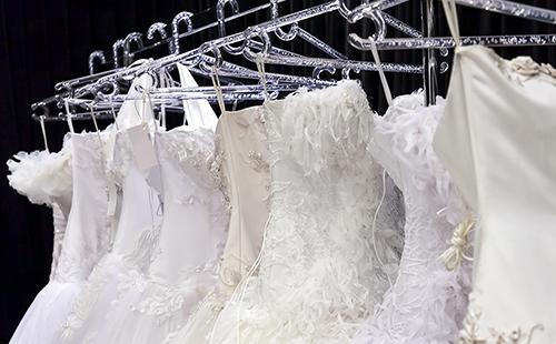 Как накрахмалить платье в домашних условиях: советы для разных видов тканей и пошаговая инструкция