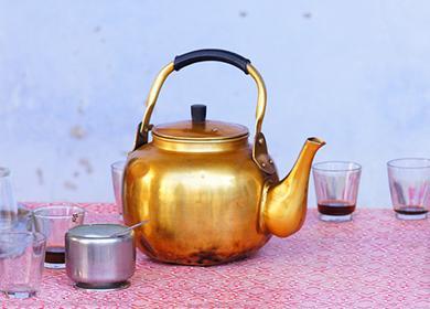 Старый медный чайник