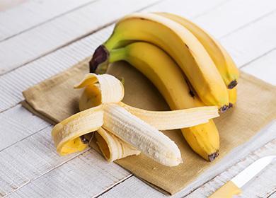 Банан на досточке