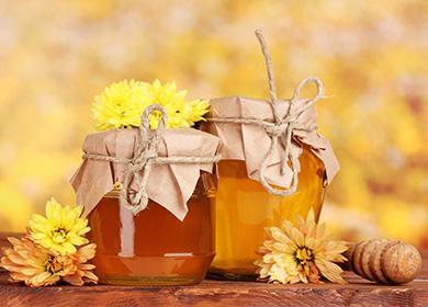 Как хранить мед в домашних условиях, чтобы не засахарился: температура, влажность, тара