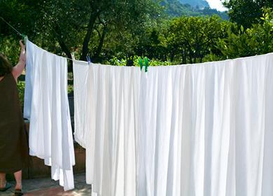 Отбеливание постельного белья: как убрать желтизну, пятна и серость в домашних условиях