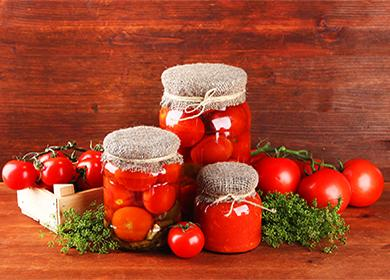Как солить помидоры вбанках назиму холодным игорячим способом, ипочему томат «любит» морковь