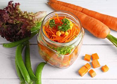 Рецепты салата изморкови назиму: 12вариантов заготовок испособ «развеселить» овощную компанию спомощью майонеза