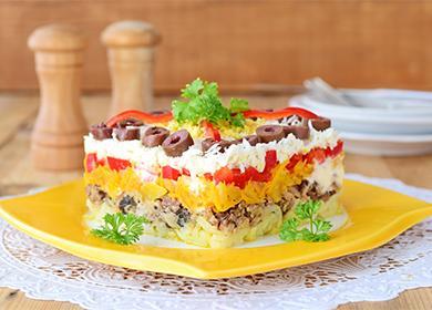 Салат сгрибами икурицей: традиционно роскошный вкус инестандартные сочетания продуктов
