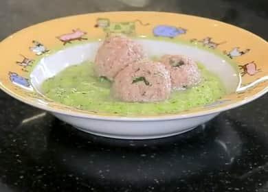 Суп-пюре с фрикадельками из индейки и брокколи - идеальный рецепт для детей