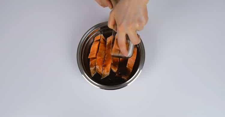 Для приготовления горбуши в духовке, подготовьте ингредиенты