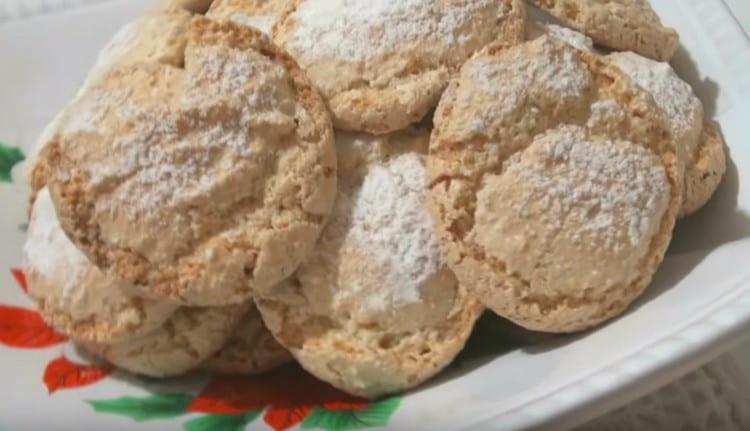 Итальянское печенье получается рассыпчатым и невероятно нежным.