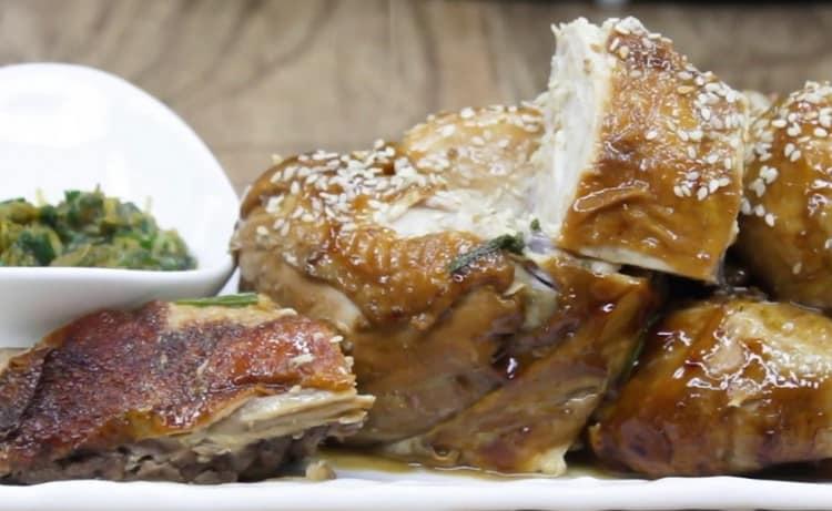 Как видите, курица в соевом соусе на сковороде позволит приятно разнообразить вашу трапезу.