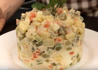 Готовим салат Оливье: рецепт классический с курицей.