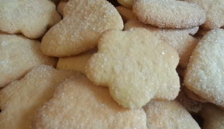 Вкусное песочное печенье готово!