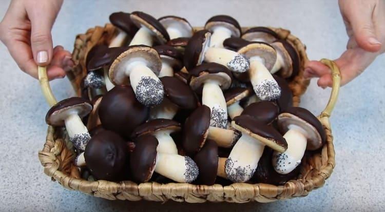 Печенье Грибочки выглядит очень красиво.