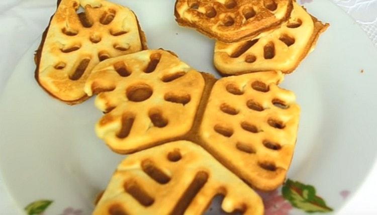 Домашнее печенье, приготовленное в формах по такому рецепту, получается мягким и нежным.