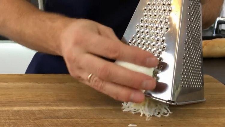 Для приготовления бутербродов с красной рыбой, подготовьте ингредиенты