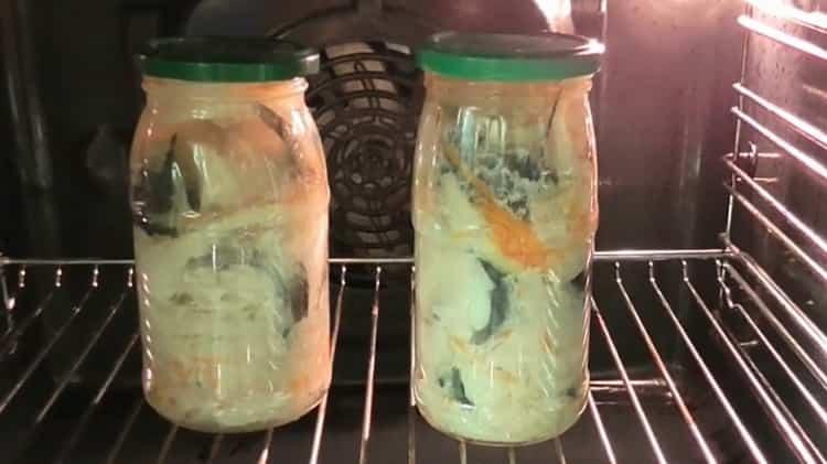 Для приготовления консервированной рыбы в домашних условиях. подождите необходимое время