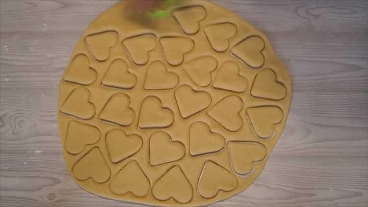 Для приготовления домашнего печенья подготовьте формочки