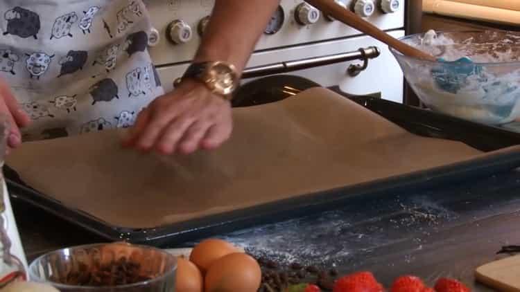 Для приготовления печенья из медальной муки.подготовьте противень