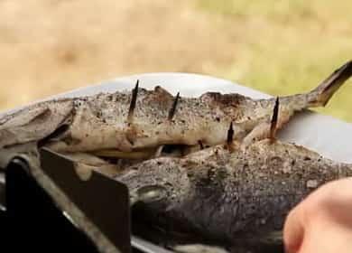 Целая рыба на гриле — очень вкусный рецепт