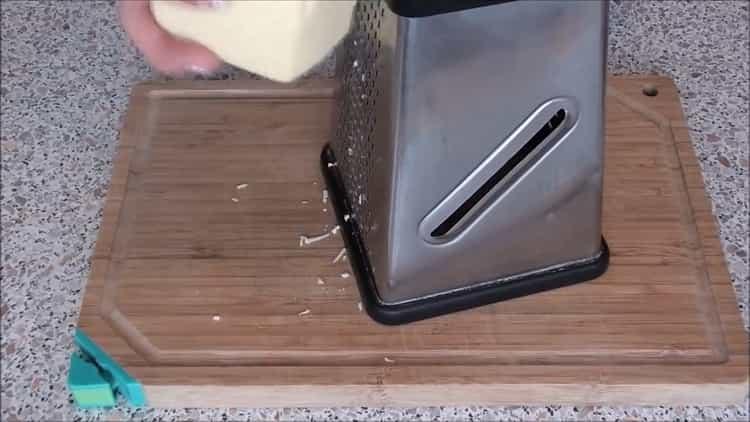 Для приготовления рыбы под шубой в духовке, подготовьте ингредиенты