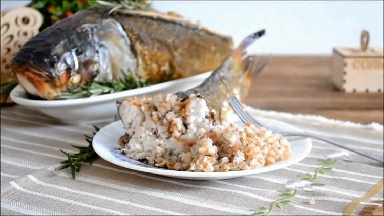 Фаршированный толстолобик, запеченный в духовке - праздничный рецепт