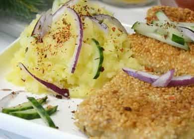 Рецепт вкусного филе минтая в кунжутной панировке, приготовленного на сковороде