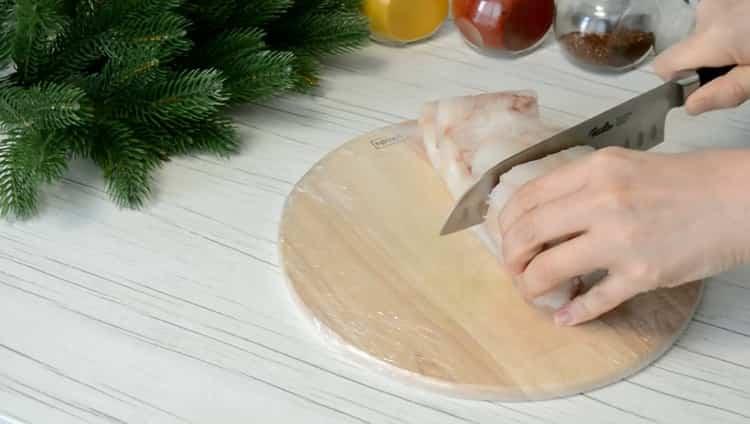 По рецепту для приготовления филе минтая на сковороде,подготовьте ингредиенты