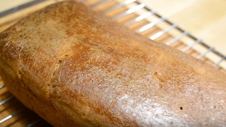 Бездрожжевой хлеб на закваске выпекается всего один час.