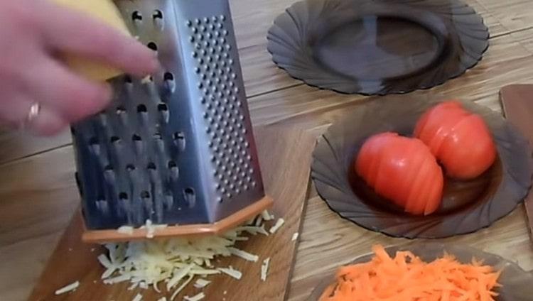 Натираем на терке также твердый сыр.