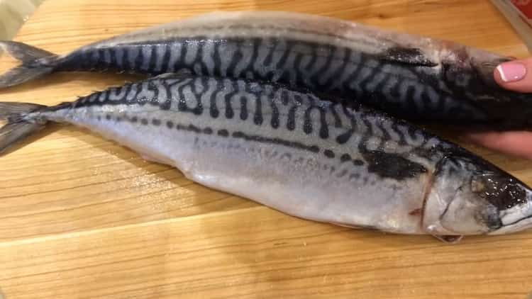 для приготовления блюда очистите рыбу