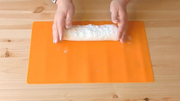Пирожки из слоеного теста с творогом: пошаговый рецепт с фото