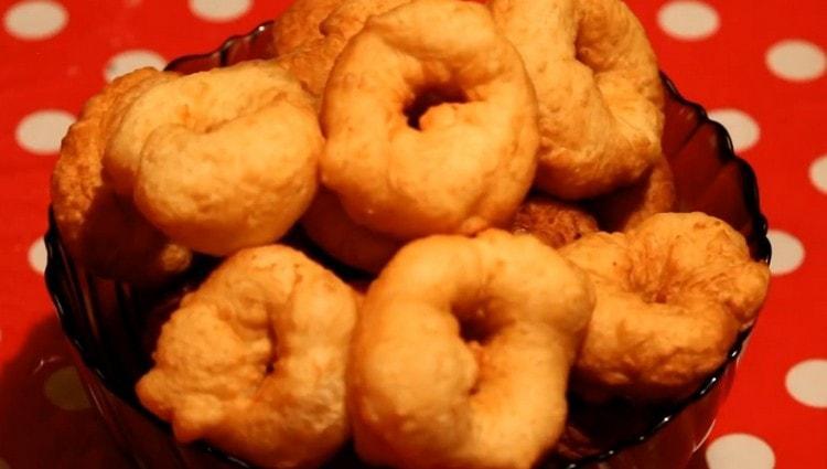 Вот мы и приготовили пончики по классическому рецепту.
