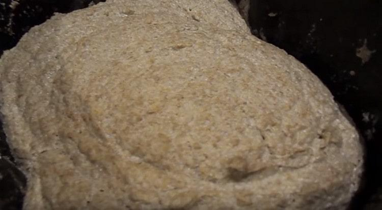 Затем тесто должно расстояться в хлебопечке.