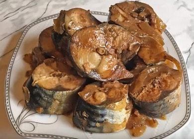 Очень вкусная тушеная скумбрия: пошаговый рецепт с фото и видео.