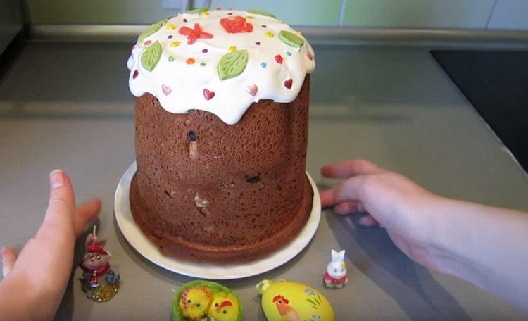 Как видите, творожный кекс, испеченный в хлебопечке по такому рецепту, вполне может выполнить роль кулича.