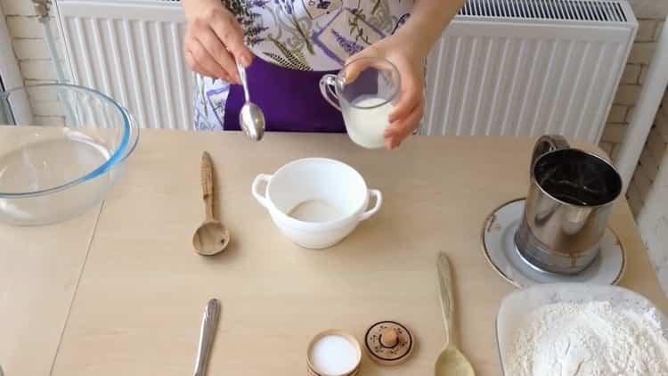 Для приготовления ватрушки с творогом, подготовьте ингредиенты