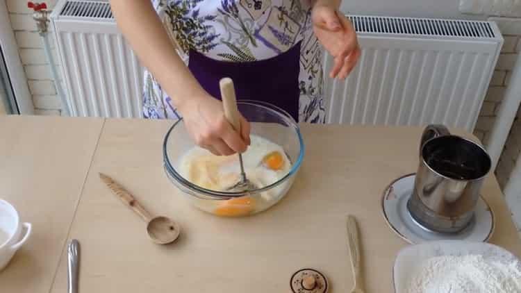 Для приготовления ватрушки с творогом смешайте ингредиенты