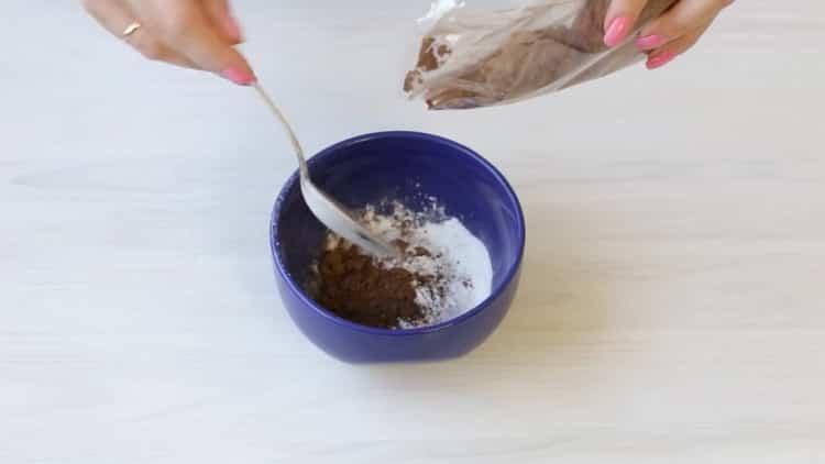 Для приготовления глазури для кексов подготовьте ингредиенты
