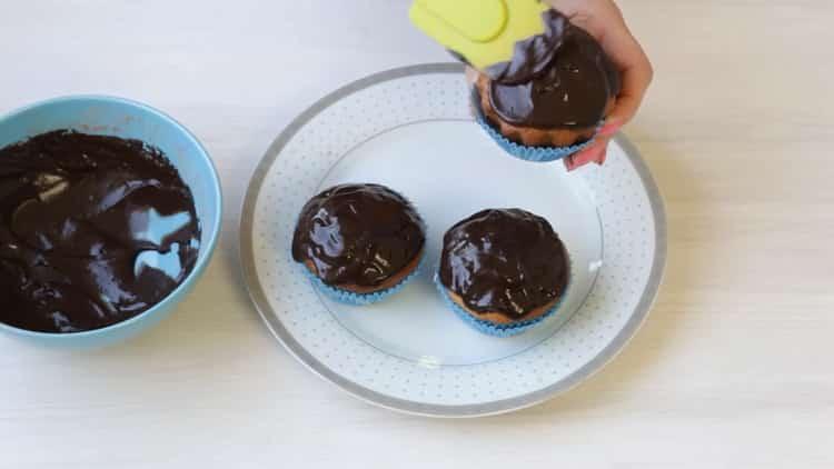 Шоколадная глазурь для кексов по пошаговому рецепту с фото