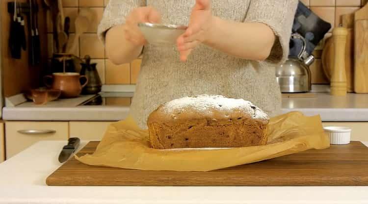 Для приготовления столичного кекса приготовьтет сахарную пудру