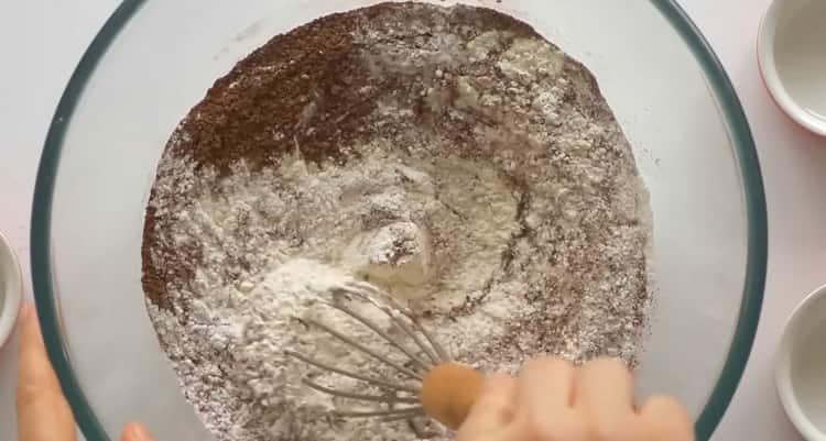 Готовим кекс с вишней по простому рецепту