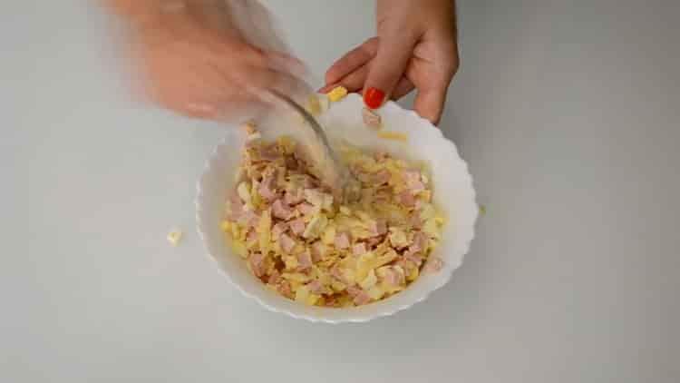 Для приготовления конвертиков смешайте ингредиенты