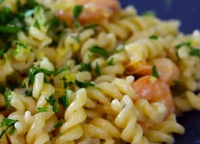 Вкусный и полезный ужин — макароны с креветками в сливочном соусе 🦐