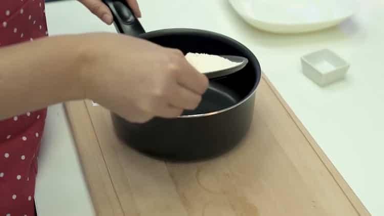 Готовим макароны с сыром на сковороде