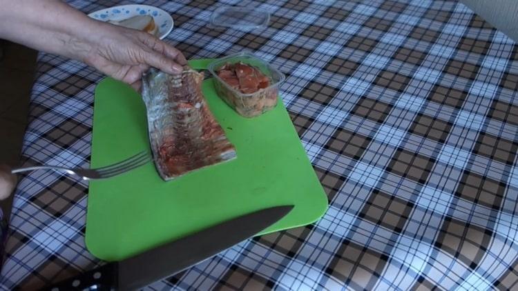 Малосольная горбуша по пошаговому рецепту с фото