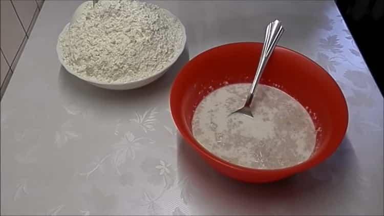 Для приготовления плюшек с сахаром, подготовьте ингредиенты
