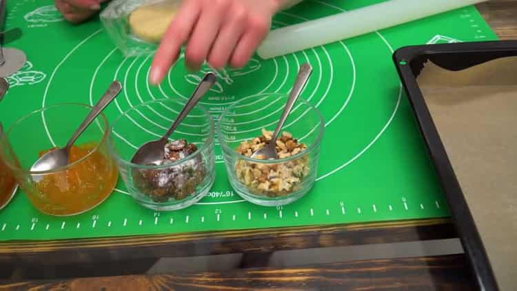 Рогалики на сметане - очень вкусная и быстрая выпечка к чаю